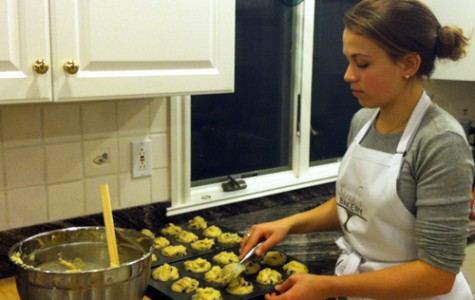 Student adapts to allergy by founding gluten-free baking business