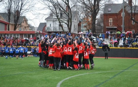 Seniors surge to early lead, claim second straight Powderpuff victory