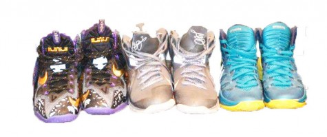 """""""Sneakerheads"""" build businesses through reselling shoes"""