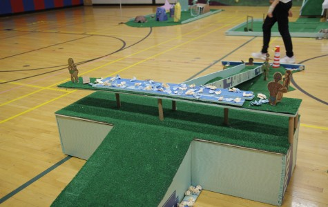 Golf holes designed and built by students were displayed in the Tappan gym on Thursday. Photo by Christopher Wan.