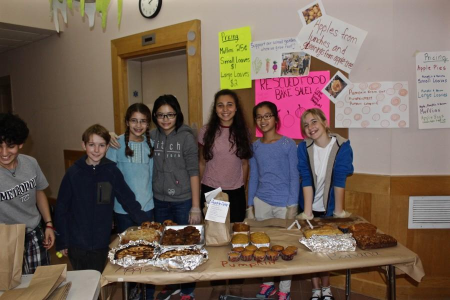 Lincoln eighth graders ran a bake sale at the Food Day event. CHLOE JEPSEN/SAGAMORE STAFF