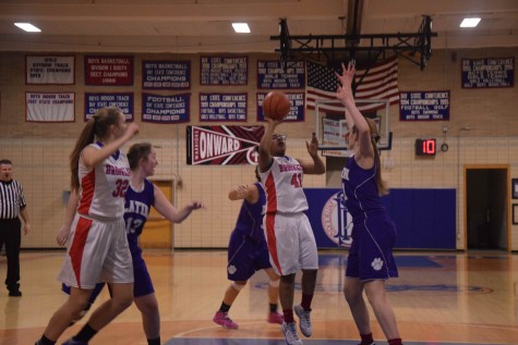 Freshman Serena Smith shoots against Boston Latin on Wed, Jan. 6. Sam Klein / Sagamore Staff.