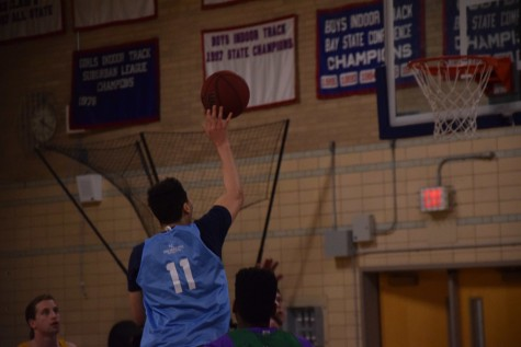 UNC senior Evan Owens attacks the rim. Sam Klein / Sagamore Staff