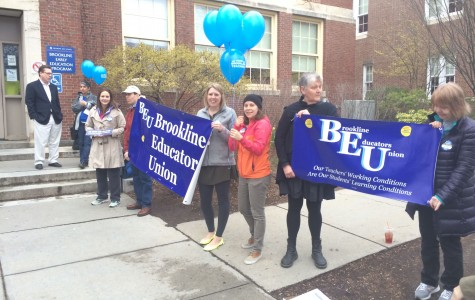 BEU members hold balloons and banners during the Rotary Club's Annual Pancake Breakfast. Leon Yang / Sagamore Staff