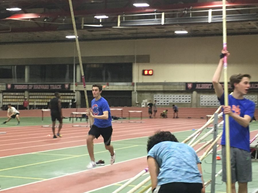 Junior+Nick+Collins+practices+his+event+of+choice%2C+pole+vault%2C+at+Harvard+University%2C+after+a+high+school+practice.+