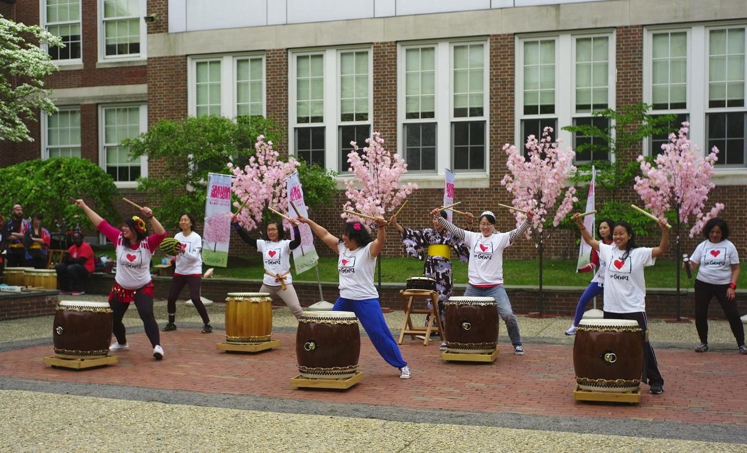 Performers+from+The+Genki+Spark+play+the+taiko+drum.+%0AGabriel+Lee%2FSagamore+Staff