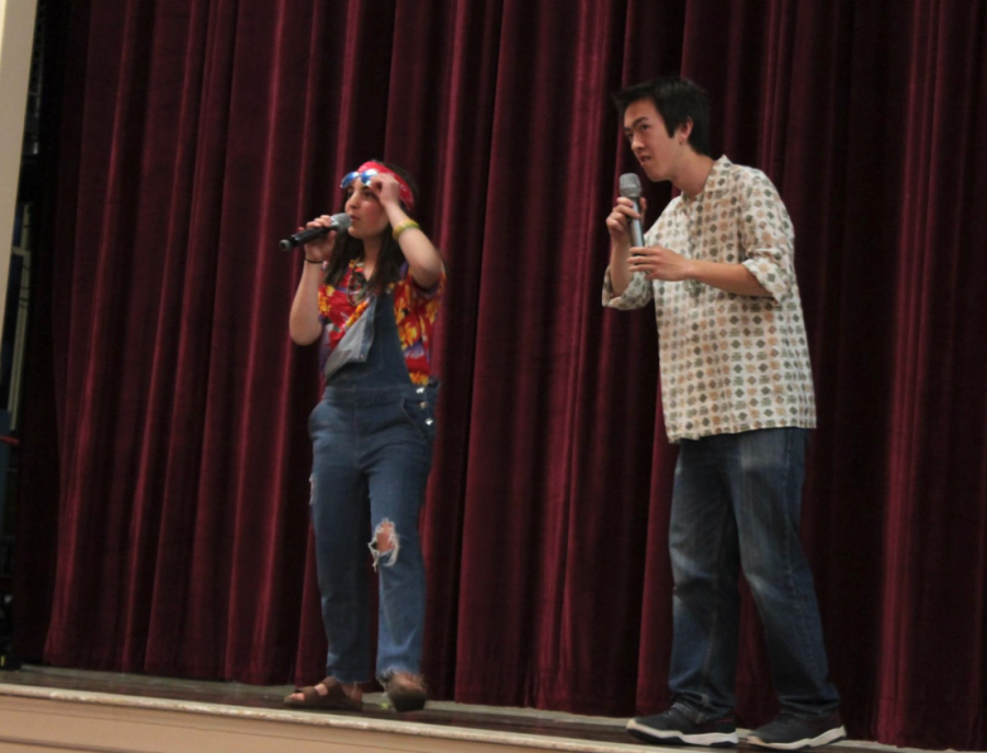 Improv captains and seniors Ceci Cipullo and Max Murphy kick off the exciting night by introducing the Needs Improvment members.