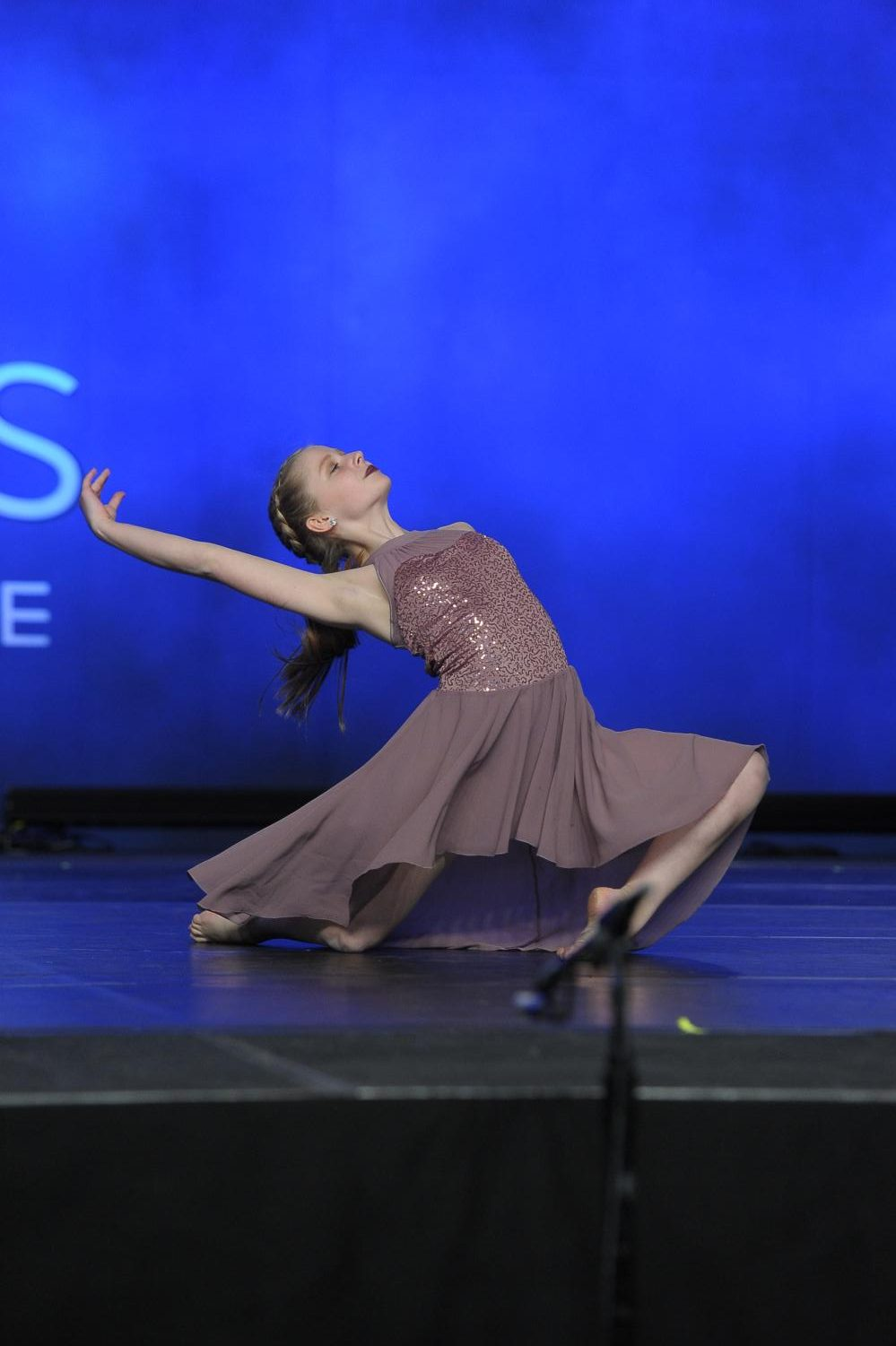 Sophomore Lily Woodward dances at the Dance Academy of Siagel Productions and on the high school dance group, Cantico. She views the activity as a way to build confidence, destress, and follow her passion.