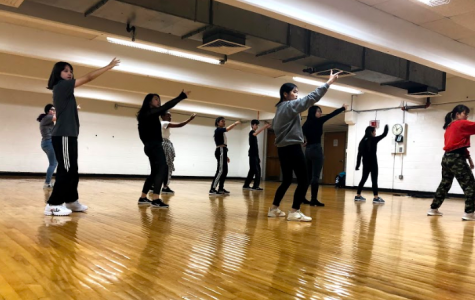 While solely focusing on K-pop for their music, Popcorn Dance Club invites a wide range of people and cultural backgrounds to their group. Together, club members connect and learn about Korean culture.