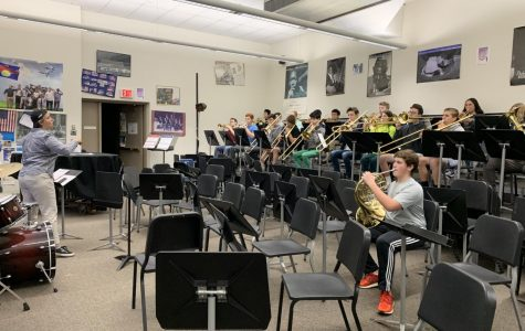 Concert Band teacher Carolyn Castellano works with students. The Z-block course is one of several affected by the OLS campus.