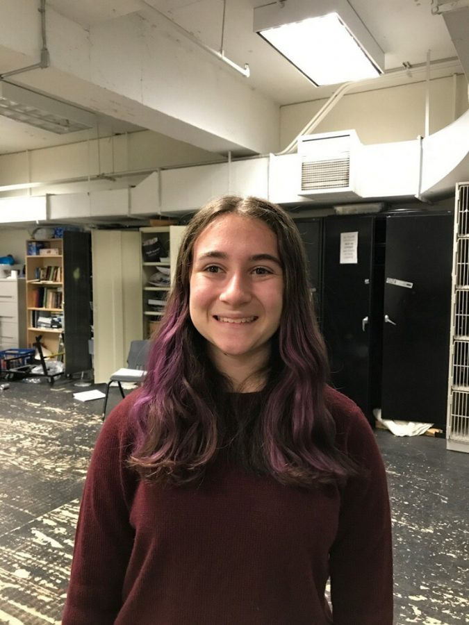 Sophomore+Kate+Cutler+started+working+on+tech+for+drama+performances+in+6th+grade.+She+has+since+worked+on+17+shows+in+the+past+five+years.+