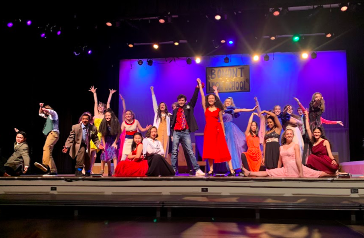 The+%22Footloose%22+cast+strikes+a+final+pose+in+the+musical%27s+last+act+on+Wednesday%2C+Jan.+15+at+the+Robert-Dubbs+Auditorium.+The+musical+takes+place+in+Utah+where+a+group+of+teenagers+try+to+revive+the+spirit+of+dance+and+pop+in+their+small+town.+