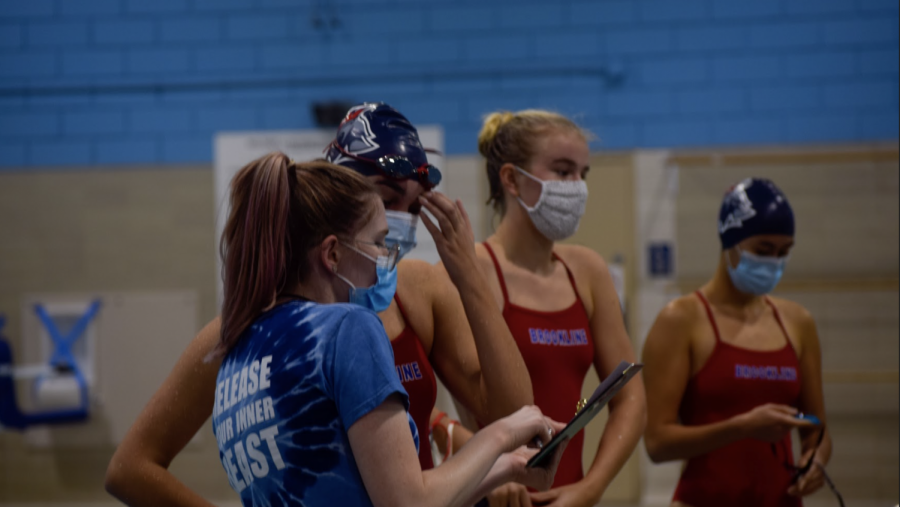 Along+with+changes+to+swim+practices+like+mask+requirements+out+of+the+water%2C+the+team+has+had+to+change+its+traditional+team-building+activities.