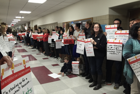 The Brookline Educators Union (BEU) postponed the high schools Back to School Night in light of failed contract negotiations and lack of transparency with the Brookline School Committee (BSC).